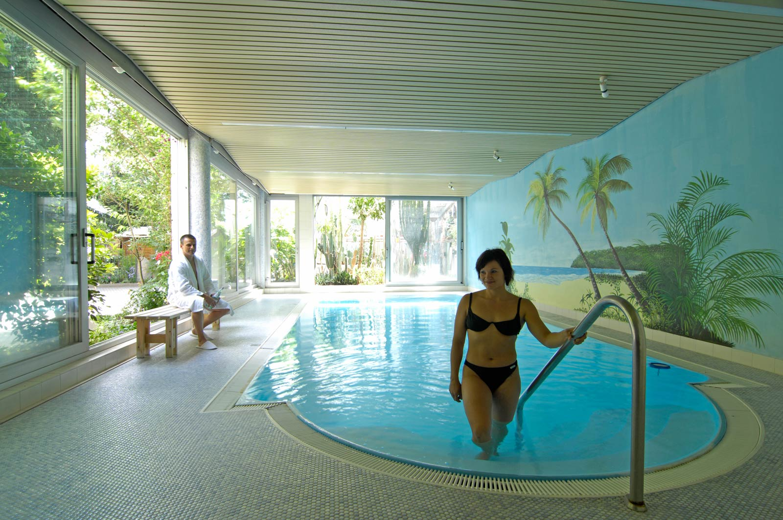pool and sauna in the hotel caf nothnagel in griesheim near darmstadt. Black Bedroom Furniture Sets. Home Design Ideas